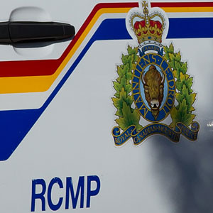 Door_crest_RCMP_web